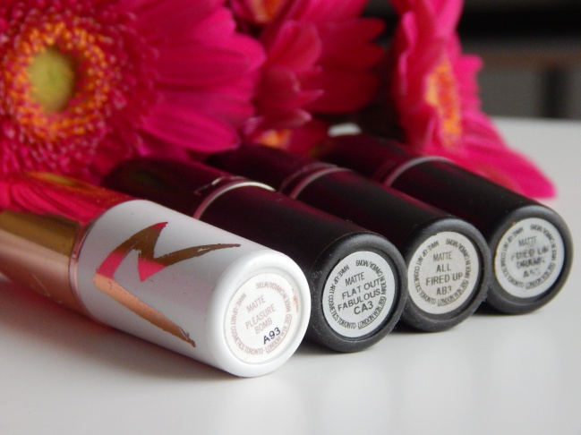 All Fired Up/ Pleasure Bomb / Flat Out Fabulous / Fixed On Drama - Mac Retro Matte Collection - BlackHairVelvet